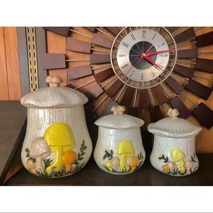 #newtocloset Set of 3 Vtg kitchen jars w Mushrooms